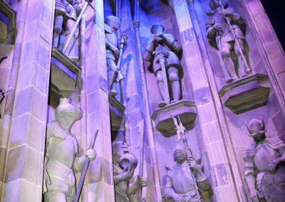 Statues de l'entrée de la grande salle
