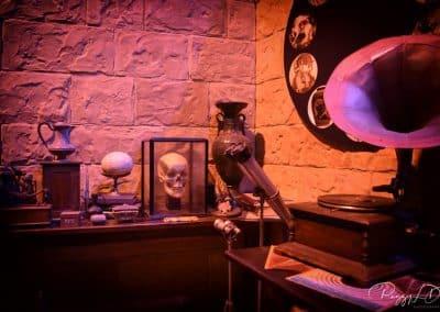 gramophone dans le bureau du professeur
